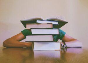 Studiebøger med faktura