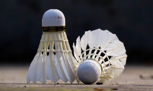 Her kan du købe en badmintonketcher på afbetaling!